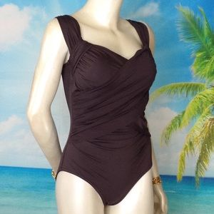 Badgley Mischka Size 8 One-Piece Swimwear